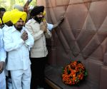MS Bitta pays tribute at Jallianwala Bagh Martyrs' memorial