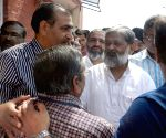 Haryana minister pays visit to accident victims