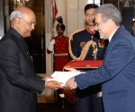 Ambassadors presents credentials to President Kovind