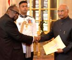 Zimbabwe Ambassador Designate presents credentials to President Kovind