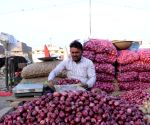 Onion price zooms to Rs 200 a kg in Bengaluru market