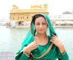 Divya Dutta visits Golden Temple