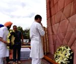 Rahul, Amarinder pay homage at Jallianwala Bagh