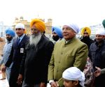 Kaptan Singh Solanki pays obeisance at the Golden Temple