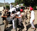 Congress workers demonstrate against Amit Shah