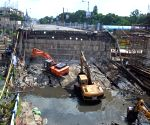 Forensic team visits Majerhat bridge collapse site
