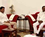 Y.S. Jagan Mohan Reddy meets Telangana CM