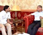 Andhra CM meets Governor