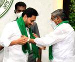 Free Photo: Andhra's Rs 2k crore YSR Jala Kala to drill 2 lakh free borewells - AP