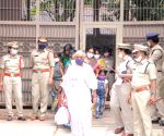 Free Photo: Andhra sets free 53 women prisoners with conditions