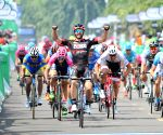 CHINA-XINGLONG-ROAD CYCLING RACE-TOUR OF HAINAN