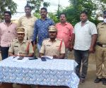 Man held for smuggling red sanders worth Rs 20L in Andhra