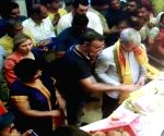 Apple CEO, Tim Cook visiting Siddhivinayak Temple