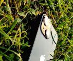 Free photo : Apple iPhone 13 mini review