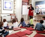 GREECE ATHENS GREEK MUSEUM ART WORKSHOPS CHINESE CULTURE