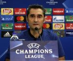 Barcelona coach underlines team's need to get back to winning ways
