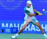 Duckworth wears crown at Bengaluru Open