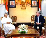 Free Photo: Australian High Commissioner calls on Andhra Governor.