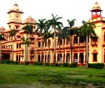 BHU Muslim prof's father sings bhajans, no one protests