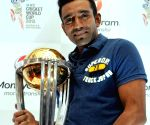 Robin Uthappa unveils ICC World Cup 2014 trophy