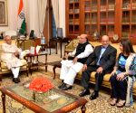 Bangladesh officials calls on President Mukherjee
