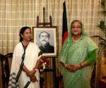 Bangladesh PM Sheikh Hasina meets Mamata