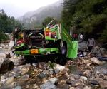 25 killed as bus falls into gorge in Himachal