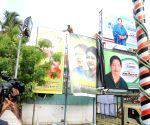 Posters of Sasikala removed form AIADMK HQ