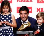 SPAIN BARCELONA LUIS SUAREZ GOLDEN BOOT