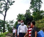 Free Photo:  Bengal's Alipurduar DM braves hills, jungle to vaccinate villagers