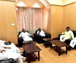 Karnataka Congress leaders meet CM over cabinet reshuffle