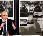 Mikhail Khodorkovsky speaks during a press conference in Berlin