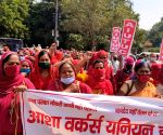Free Photo: Bharat Bandh: No significant impact in Gurugram, Asha workers extend support