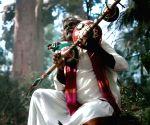 Free Photo: Bheemla Nayak' composer Thaman felicitates folk singer Mogulaiah