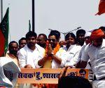 Danapur (Bihar): Dinesh Lal Yadav's roadshow