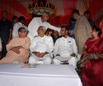 Nitish Kumar unveils Krishna Nandan Sahay's statue