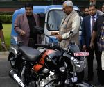 Nitish Kumar meets Nitin Gadkari