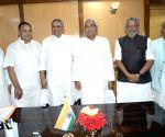 JD-U's Kaushal Yadav, BJP's Satyanarayan Yadav take oath as MLAs
