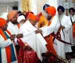 Nitish Kumar visits Takht Sri Patna Sahib