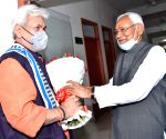 Bihar Chief Minister Nitish Kumar felicitate to Jammu and kashmir Lieutenant governor Manoj sinha during his visit in Patna