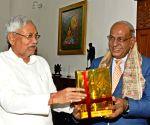 Nitish Kumar meets Mauritius High Commissioner Jagdishwar Goburdhun