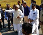 Nitish Kumar visits Venu Maharaj temple