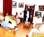 Bihar Governor visits Jagannath Mishra's residence