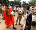 Free Photo: Bihar monk provides free ration to poor amid Covid-19