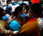 Kolkata :BJP Candidate from bhawanipure constituency Priyanka Tebrewal with alleged victims of political violence by TMC cadre during a protest against State Government Source : WB_KC