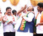Shimoga (Karnataka): Karnataka by-elections - BY Raghavendra celebrates