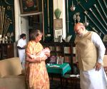 Amit Shah meets Pramoda Devi Wadiyar