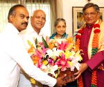 Yeddyurappa greets S M Krishna on birthday