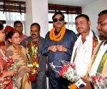 Shatrughan Sinha meets Patna Mayor Sita Sahu