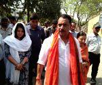 Saran (Bihar): 2019 Lok Sabha elections - BJP's Rajiv Pratap Rudy arrives to file nomination